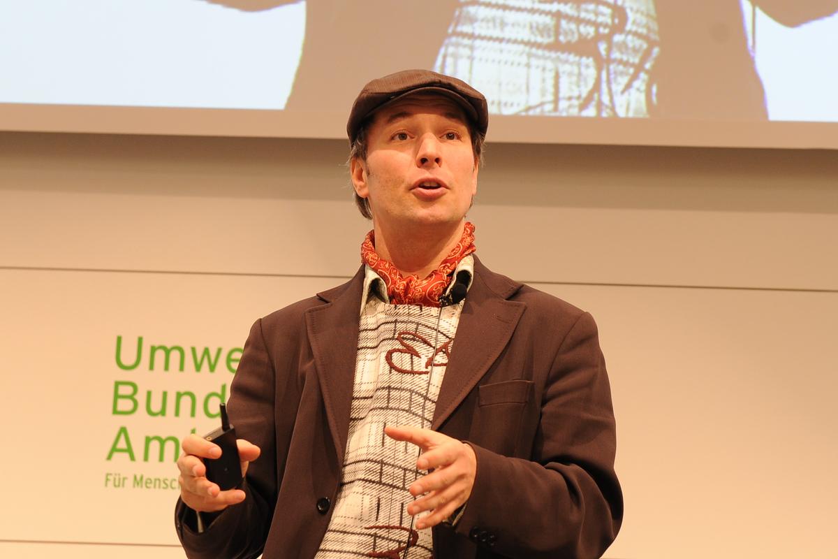 Conference Speaker Dennis Pamlin - By Promotivate Speaker Agency